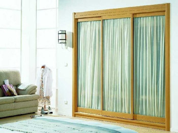 Karpi bilbao s l carpinter a ebanister a for Armarios con cortinas